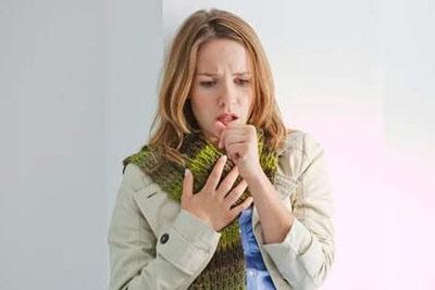Першение в горле, вызывающее кашель